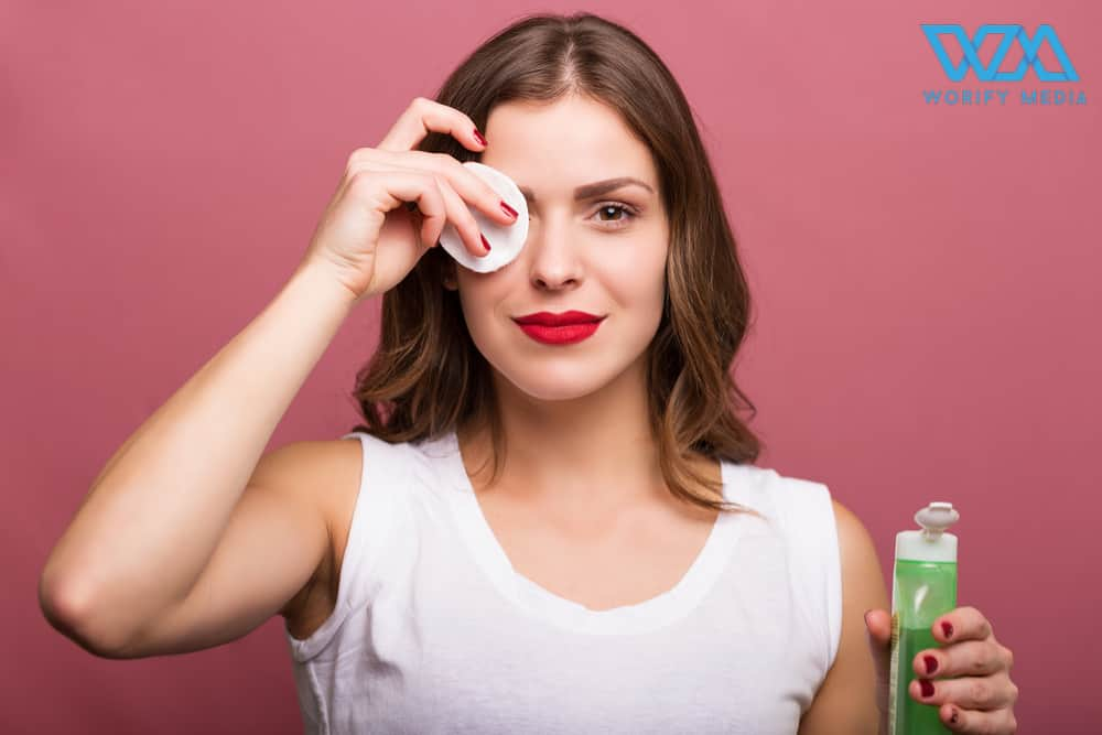 The Easiest Way To Remove The Makeup Without Side Effects 1