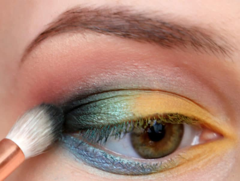 Eye Makeup Hacks That Every Beginner Needs To Know 5