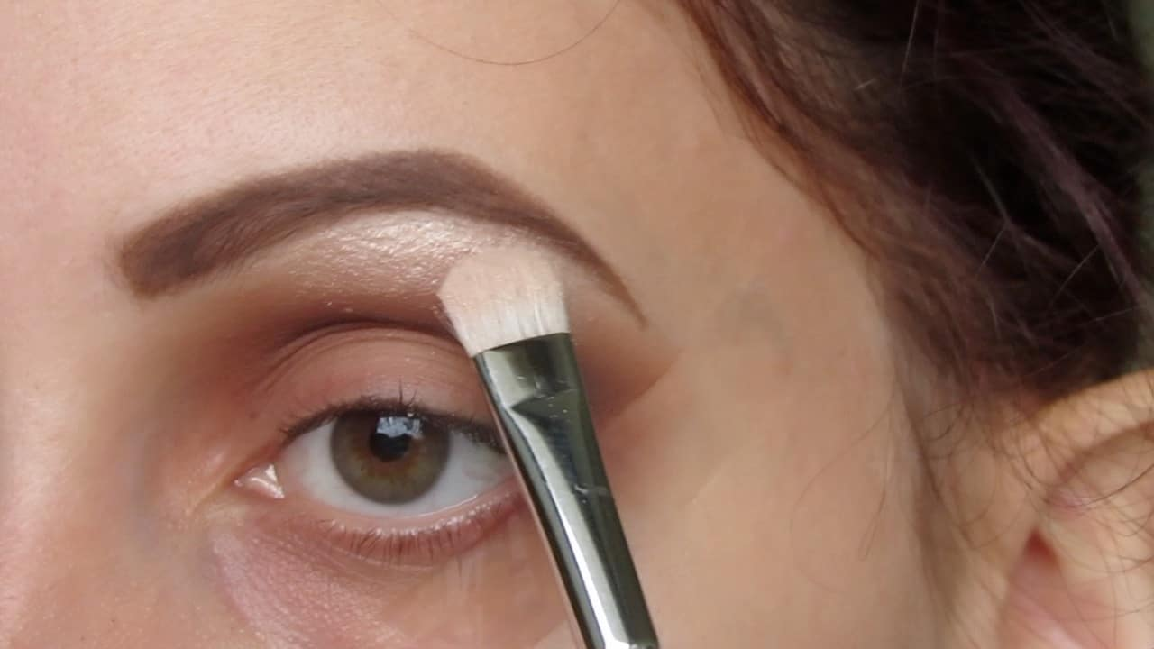 Eye Makeup Hacks That Every Beginner Needs To Know 2
