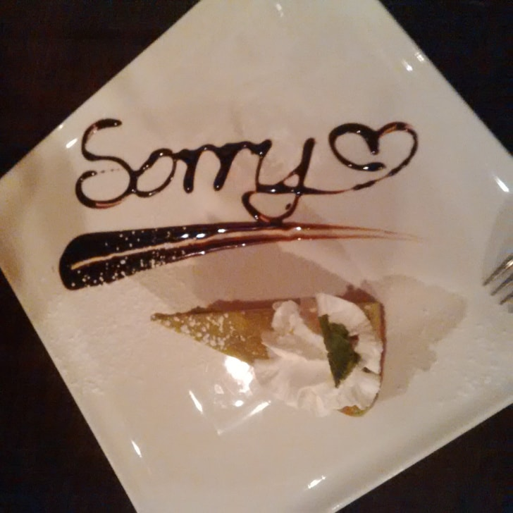 6 Worst Situations When We Say Waiters Are Not Fond Of Their Guests 4