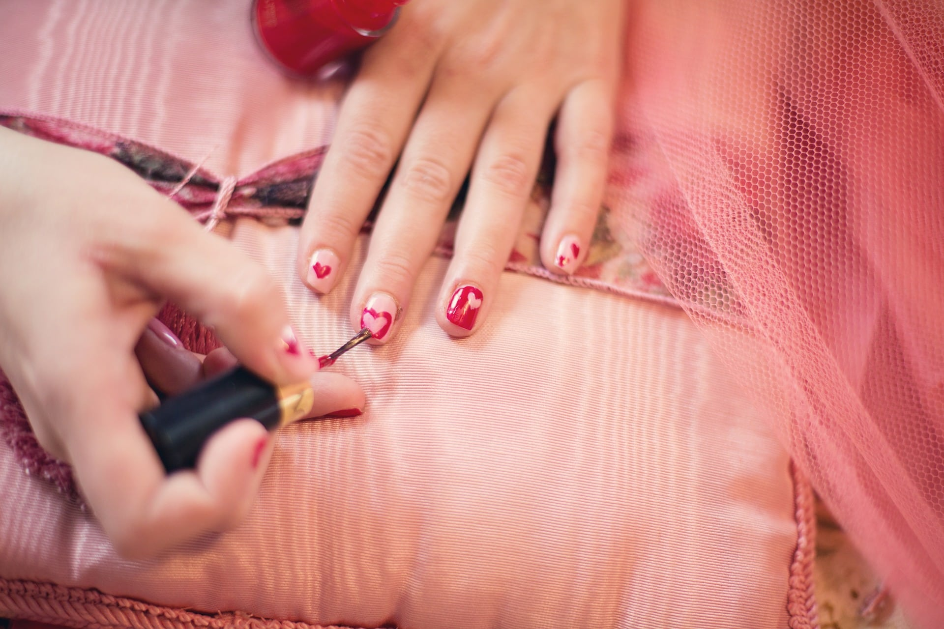 7 Best Nail Tricks To You A Manicure Master 3